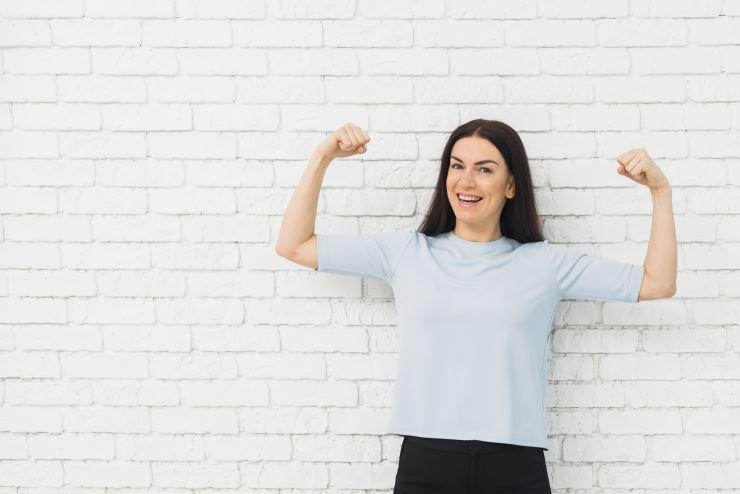 silna-zdrowa-kobieta-regularne-badania-kobiet